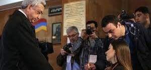 Ermeniler yarı başkanlıktan parlamenter sisteme geçiyor!