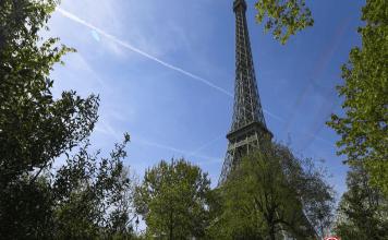 """""""Pour des raisons de sécurité, la préfecture de police de Paris a demandé la fermeture de la tour Eiffel"""", a annoncé la Société d'exploitation de la Tour Eiffel@ ALAIN JOCARD / AFP"""