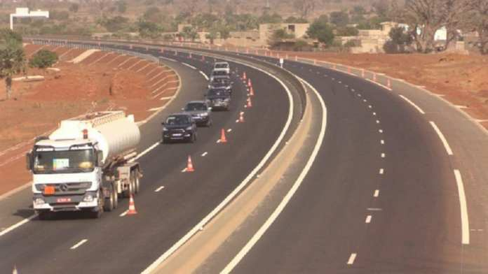 Urgent !  L'Autoroute Ila Touba enregistre son 1er accident mortel – Regardez 2
