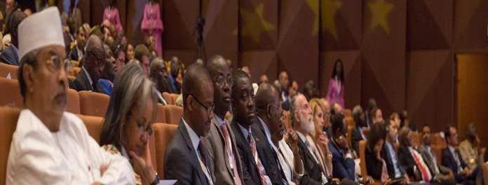 Live - 5eme Forum International de Dakar sur la Paix et Sécurité: Imposer la paix aux décideurs impliqués en Afrique [Vidéo] 3