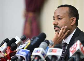 Guy Bertrand Mapamgou , ministre gabonais de la Communication, porte-parole du gouvernement