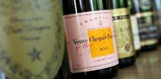 Le Veuve Clicquot serait le plus vieux champagne encore buvable dans le monde. La France est toujours réputée pour ses boissons, notamment les vins et spiritueux. AFP Photo/William West