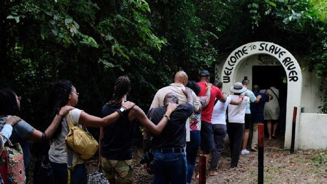 Un nouveau système éducatif prévoit des voyages en Afrique sur l'esclavage (Etats-Unis )