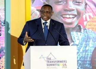 Macky-Sall-lors-du-Transformers-Summit-à-Dakar-