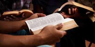 Le Christianisme en Afrique : Se Convertir à l'Universelle ?