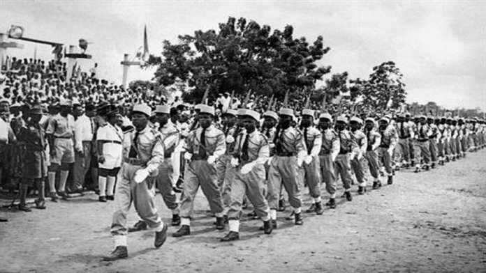 Parade militaire à Lomé le 2 mai 1960. Sylvanus Olympio avait annoncé l'indépendance du Togo le 27 avril 1960. © AFP