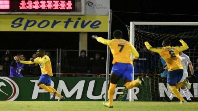 Epinal - Les joueurs d'Epinal explosent de joie après leur 2e but contre Lille, celui de la qualif en quarts de la Coupe de France, le 29 janvier 2020 à La Colombière