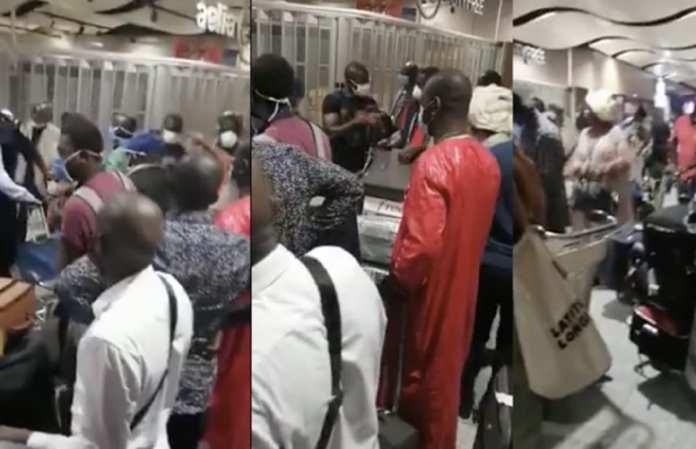 Des émigres de Louga réclament une baisse des prix des billets d'avion+