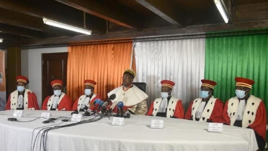 Présidentielle en Côte d'Ivoire le Conseil constitutionnel valide 4 candidatures et se retrouve sous le feu des critiques de l'opposition