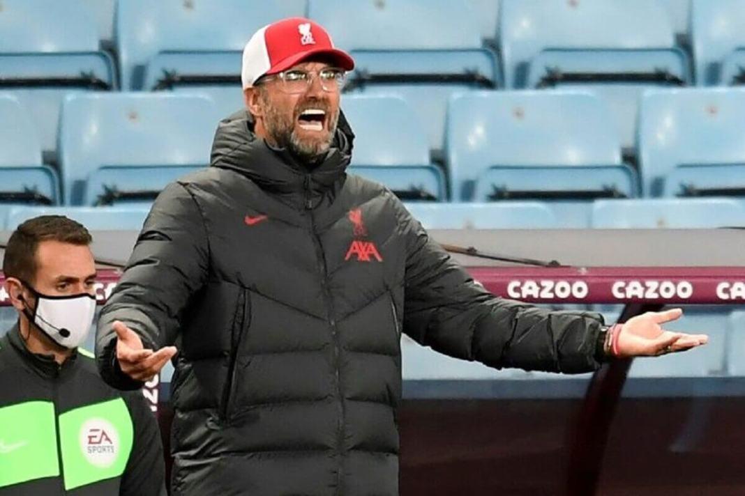 L'entraîneur allemand de Liverpool, Jürgen Klopp, lors du match de Bundesliga face à Aston Villa, à Birmingham, le 4 octobre 2020