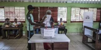 Présidentielle en Guinée la Céni déclare Alpha Condé élu au premier tour
