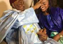 Abdoulaye Wade et sa petite fille