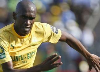 Anele Ngcongca le footballeur sud-africain est décédé dans un accident de voiture