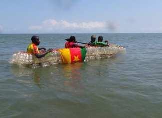 la-pirogue-c3a9cologique-flottant-sur-les-eaux1