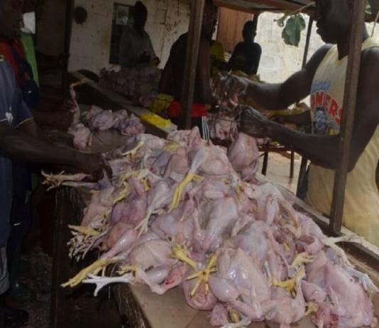 Lendemain de Korité www.kafùnel.com les bonnes affaires des vendeurs de poulets