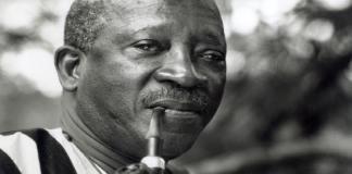 Sembene-Ousmane-1 Monstre sacré du 7ème art www.kafunel.com Sembène, du docker de Marseille à l'icône du cinéma africain