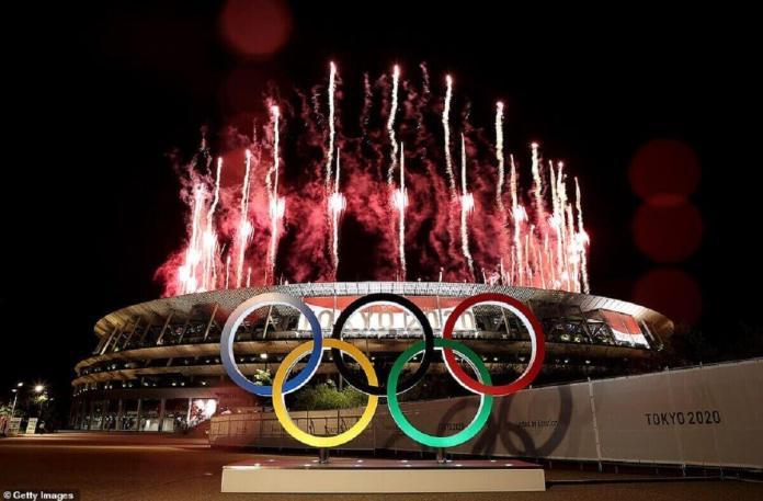 Feu d'artifice lors de la cérémonie d'ouverture des Jeux Olympiques de Tokyo