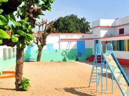 ecole-maternelle-de-la-croix-rouge-senegalaise-de-dakar-dotee-d-un-mini-terrain-synthetique