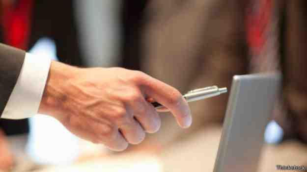 نتيجة بحث الصور عن لماذا نستخدم اليد اليمنى؟
