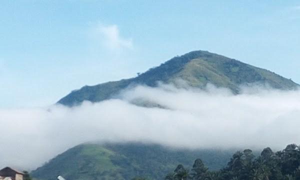 Vue du Mont Biega, depuis Bunyakiri