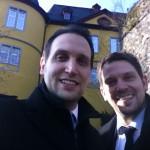 Kai Keune und Dirk Keune vor dem Schloss Montabaur (ADG)