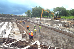 Works on this eight-gate sluice has delayed the entire Hope/Dochfour Canal project.