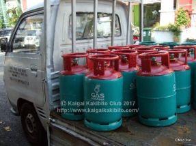 マレーシアのガスボンベ搬送のトラック