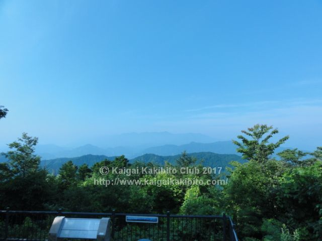 高尾山山頂から富士山方面