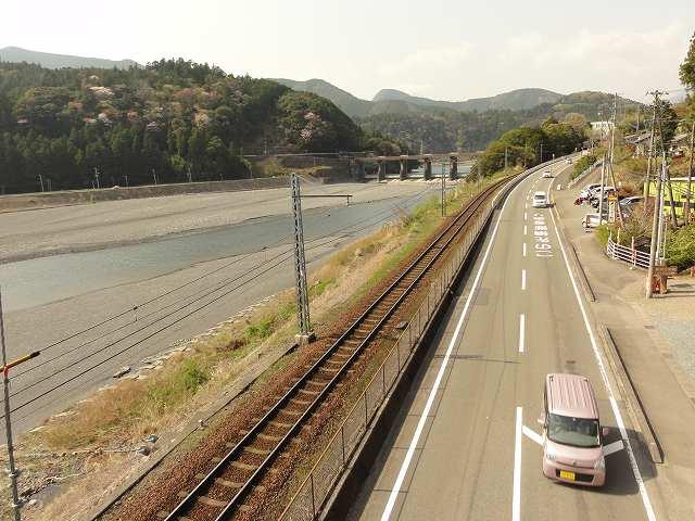 塩郷の吊り橋(通称:恋金橋)
