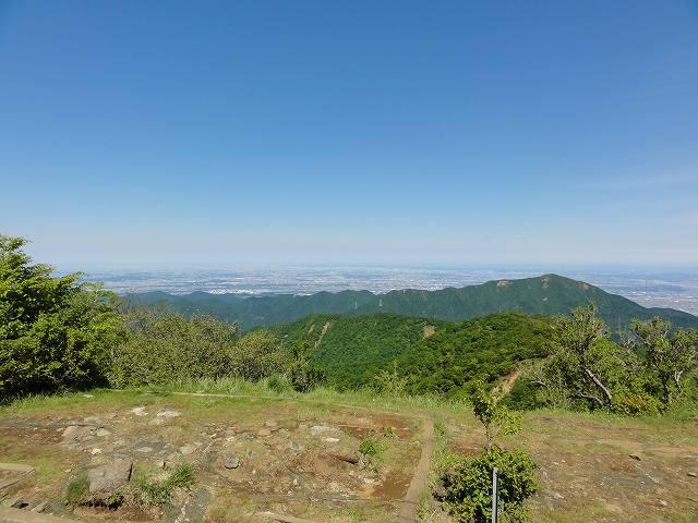 塔ノ岳山頂から眺める大山