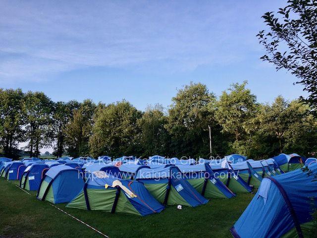 オランダの音楽フェスのテント村