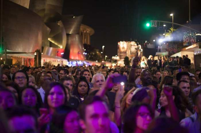 LA Food and Wine Crowd 2
