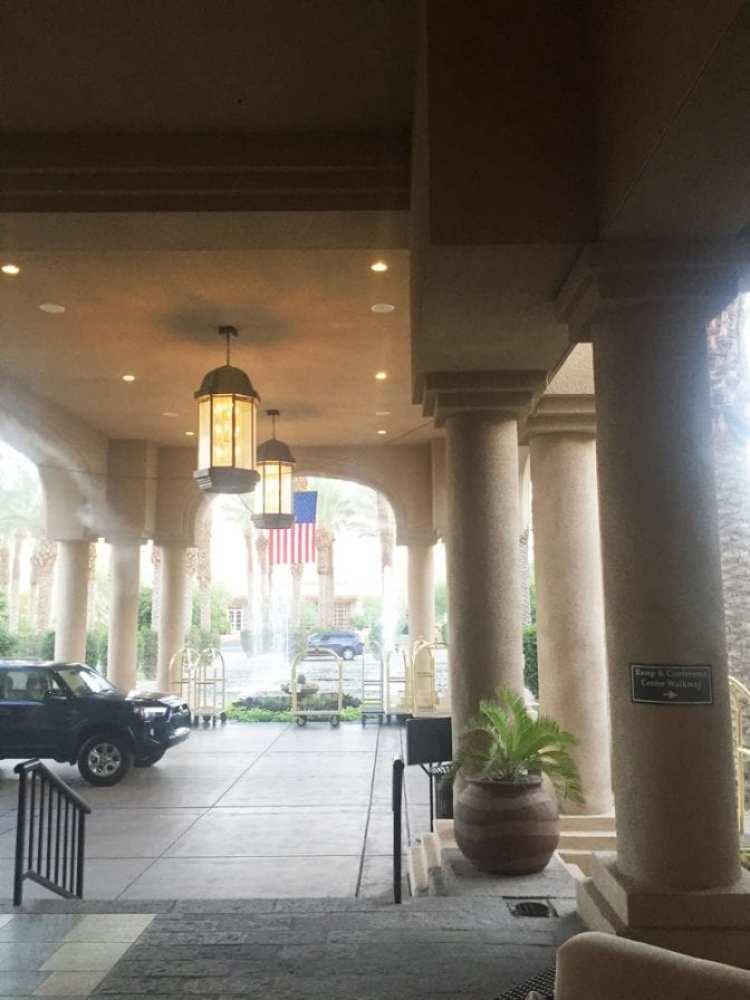 Hyatt Regency Indian Wells Entrance