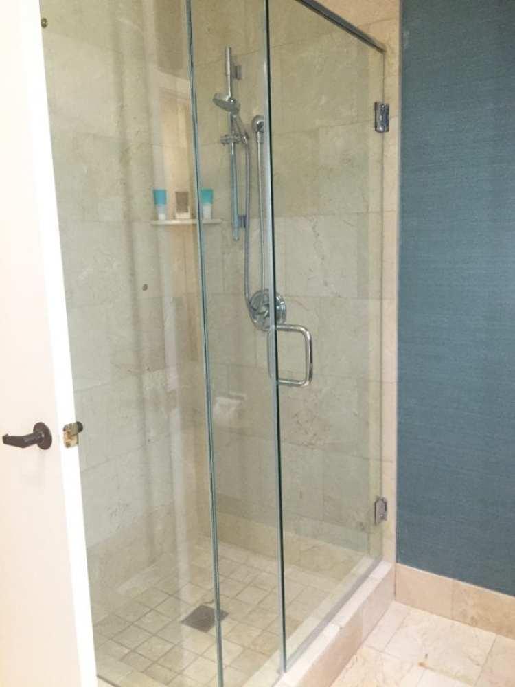 Hyatt Regency Indian Wells Shower
