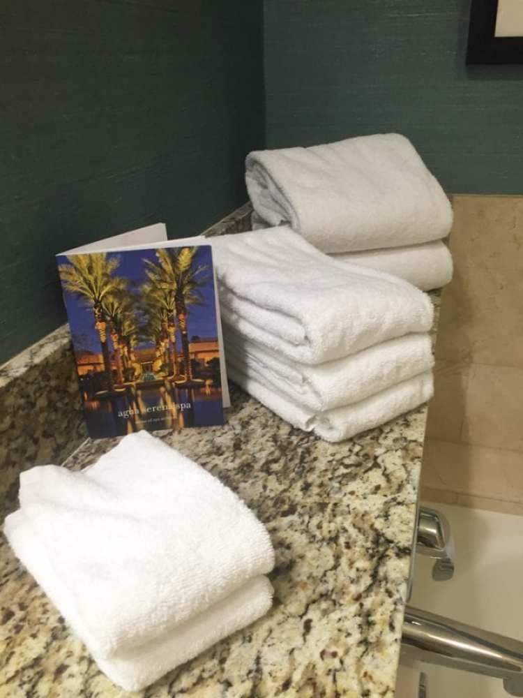 Hyatt Regency Indian Wells Towels