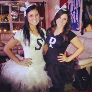 Salt and Pepper Halloween Costume #halloween #halloweencostume #halloweencouplecostume #couplecostume #diycostume #diyhalloween #diyhalloweencostume #KAinspired www.kainspired.com