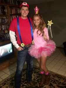 Mario and Princess Peach halloween Costume #mario #princesspeach #halloween #halloweencostume #halloweencouplecostume #couplecostume #diycostume #diyhalloween #diyhalloweencostume #KAinspired www.kainspired.com