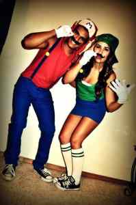 Mario and Luigi Halloween Costume #halloween #halloweencostume #halloweencouplecostume #couplecostume #diycostume #diyhalloween #diyhalloweencostume #KAinspired www.kainspired.com