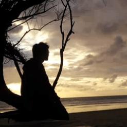 Pujangga Kelabu dalam Syair Puisi