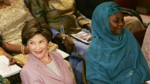 Bilkisu with former US First Lady Laura Bush in 1986/AP photo