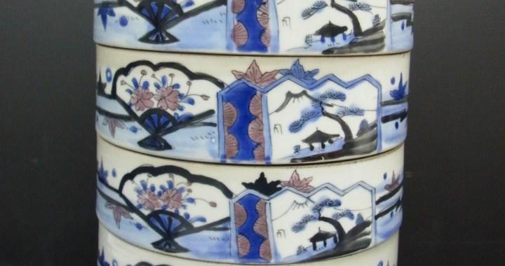 時代物 陶器製 4段重 重箱 高さ 約33.5cm 中古品