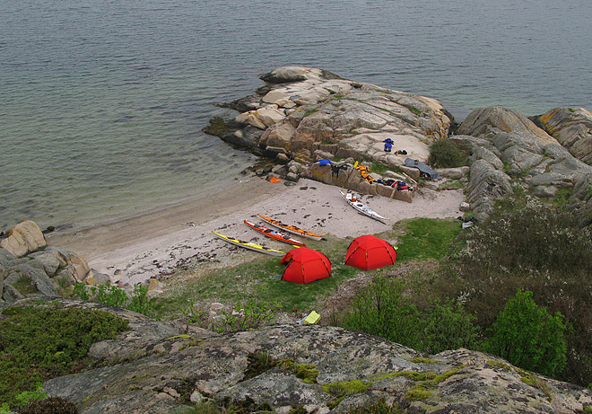 Trinissla - stranden och tälten från ovan