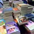 Högvis med böcker överallt