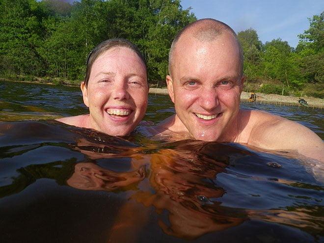 Riktigt varmt i vattnet. Snart hinner man bli alldeles skrynklig när man badar