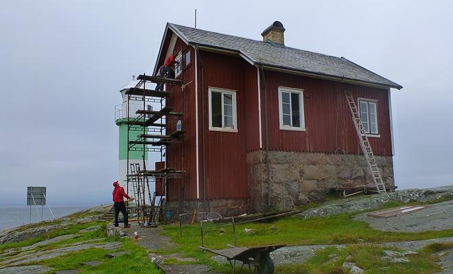 Ställningsbyggande vid fyrhusets norrsida