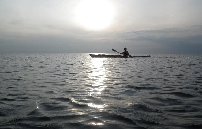 Plattvatten i Vallerösundet på fredagskvällen