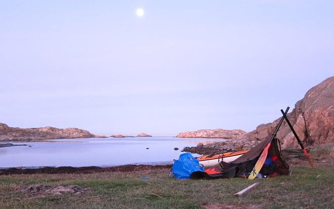 Läger och lite morgonvy västerut