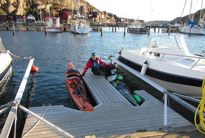 Sjösättning vid Nautopps brygga. Smidigt med en brygga på egen båtplats :)