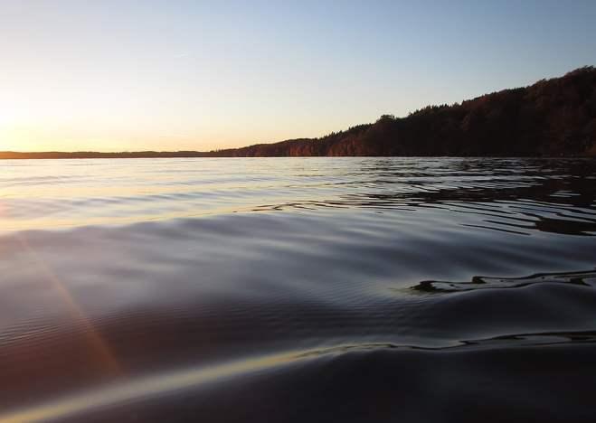 Snett snart-solnedgångs-ljus