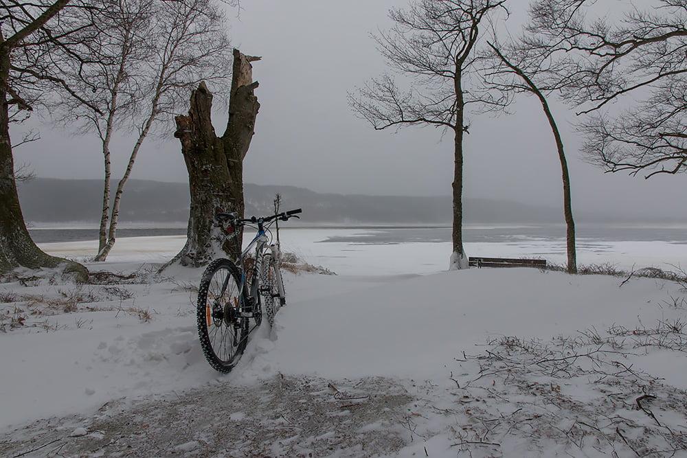 Nya cykelställ vid sjön